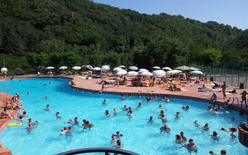 Hotel borgo san lorenzo hotel ristorante marrani hotel in toscana country hotel accommodation in - Piscina borgo san lorenzo ...