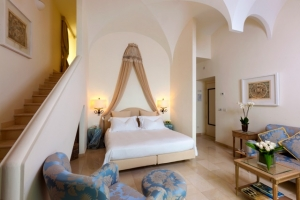 Villa marina capri hotel spa capri prenota hotel a capri for Casa malaparte interni