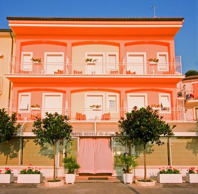 Hotel la spiaggiola prenotazione albergo numana hotel in for Hotel meuble la spiaggiola numana