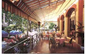 Hotel augustea rimini prenota hotel a rimini emilia romagna for Cabine al lago della piscina di joe